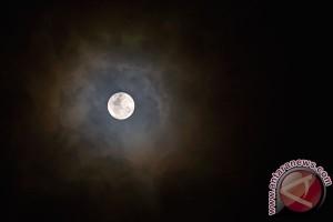 Trump minta NASA kembali kirim astronaut ke bulan