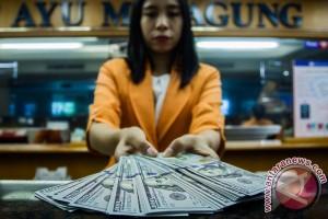 Dolar AS melemah karena investor masih pertimbangkan risalah Fed