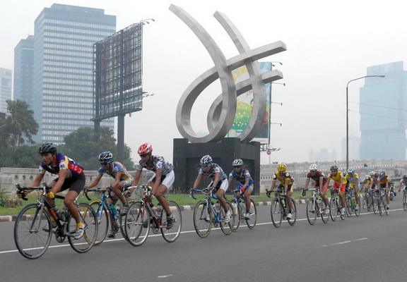 Tim Filipina kuasai Tour de Jakarta 2012