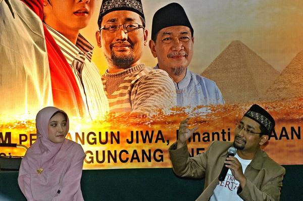 Kang Abik kupas cinta Islami di ITS