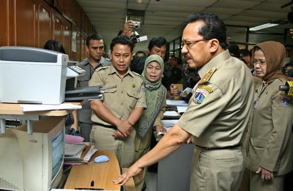 Jam kerja PNS Jakarta dikurangi selama Ramadhan