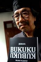 Imajinasi mata hitam Jeihan Sukmantoro