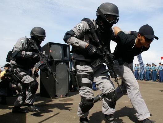 Densus Tangkap Orang Diduga Teroris di Klaten
