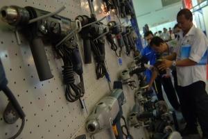 Ekonom : Manufaktur masih sulit jadi sumber pertumbuhan