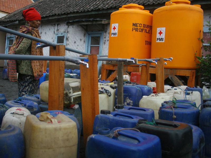 Lombok Timur bantu air bersih untuk warga