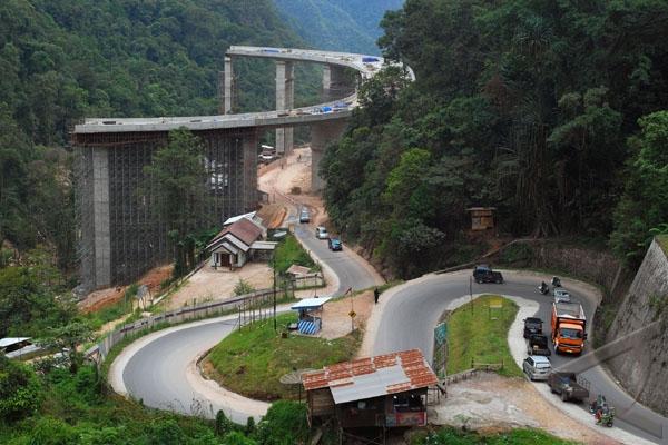 Jalan Kelok Sembilan Beroperasi Awal 2012
