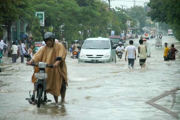 Floods inundate four villages in Sampang