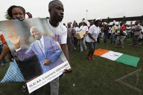 Orang Asing Mulai Tinggalkan Abidjan