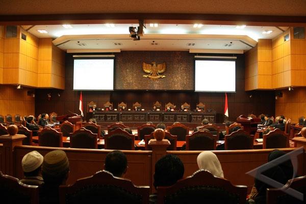 MK tidak terima permohonan 17 advokat