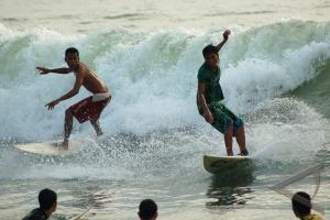 24 surfer dunia ikuti kejuaraan internasional di Mentawai