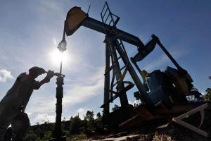 Harga minyak jatuh seiring turunnya kekhawatiran krisis Yaman