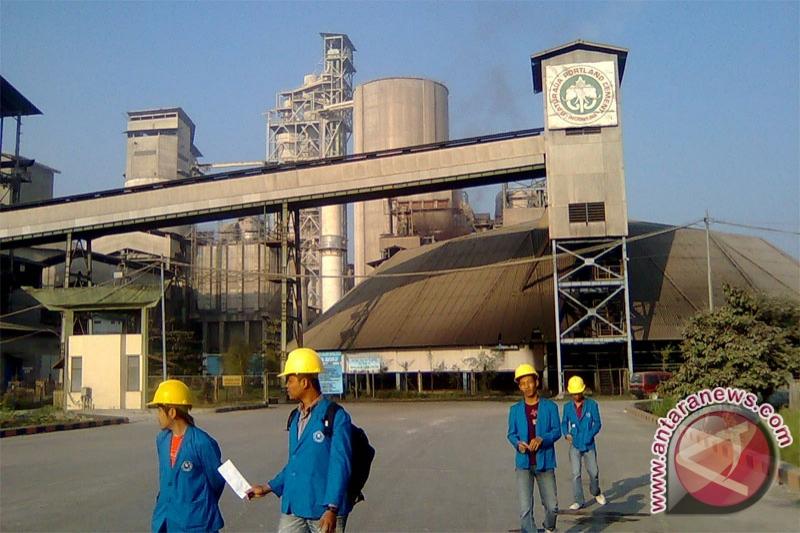 Semen Baturaja bangun dua pabrik baru