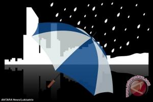 Akhirnya hujan mengguyur Kota Kupang