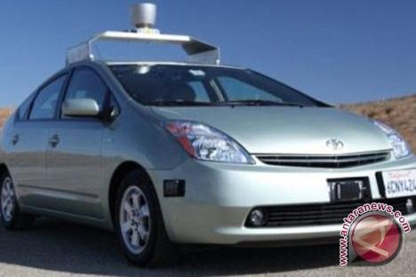 Mobil Tanpa Awak Google Alami Kecelakaan