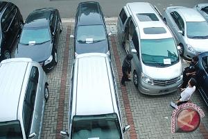 Pengusaha rental mobil mendadak untung selama liburan