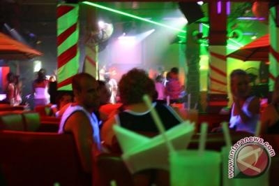 20110407031415ilustrasi-club.jpg
