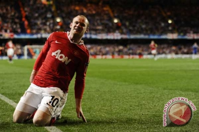 Dwigol Rooney bawa MU kalahkan Sunderland 2-0