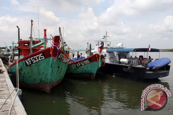 Dua kapal Malaysia curi ikan ditangkap