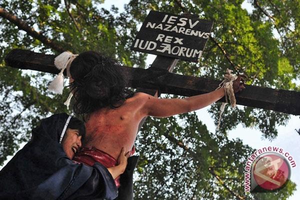 Prosesi Jalan Salib di GMIM Sario Manado