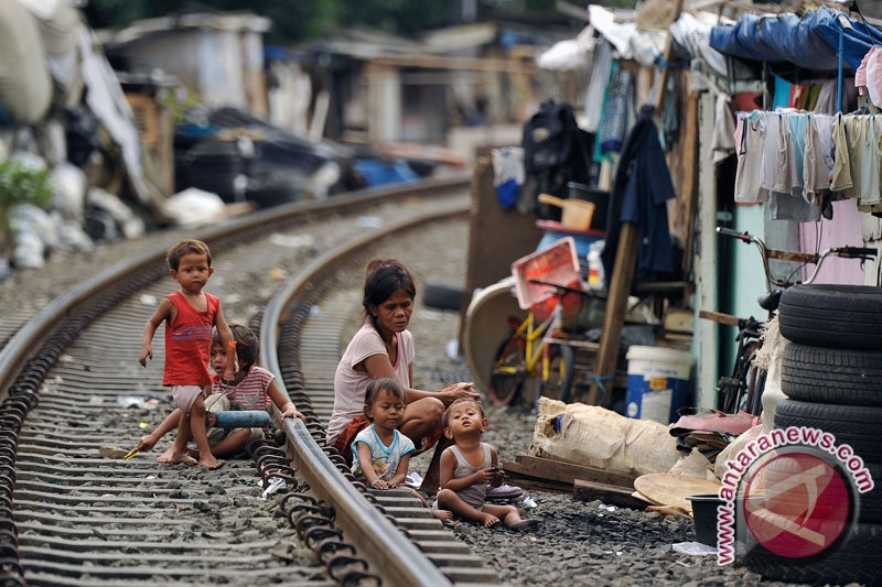 poverty in indonesia Social and demographic issues in indonesia to 881 million indonesians who live below the food poverty line to be those of future directions international.