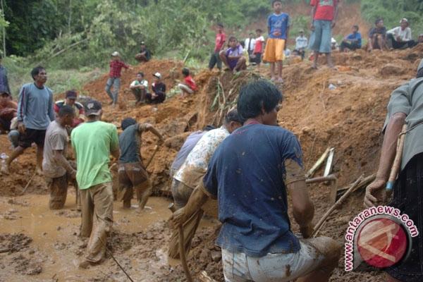 10 Orang Tewas Akibat Banjir, Longsor di Garut