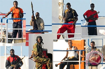 China rescues fishermen held by Somali pirates for 18 months