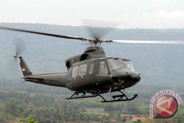 Helikopter TNI Mendarat Darurat di Kenyam