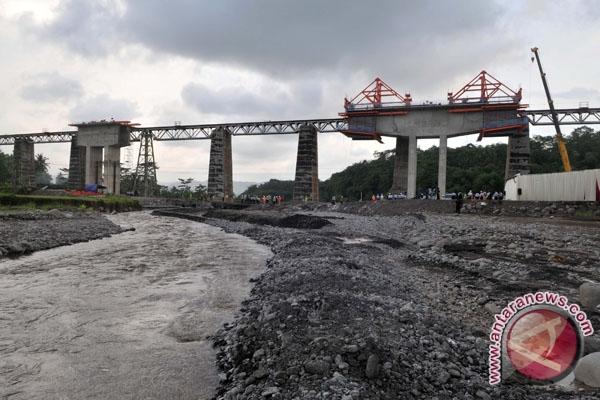 Sulbar targetkan 15 jembatan rampung 2013