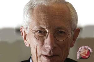 Dolar AS jatuh di tengah data lemah dan komentar Fischer