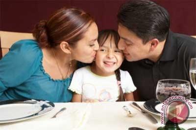 Kebahagiaan pasangan suami-istri sangat dipengaruhi kualitas hubungan ...
