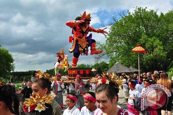 Enam Jenis Seni di PKB  Berbentuk Parade Seni