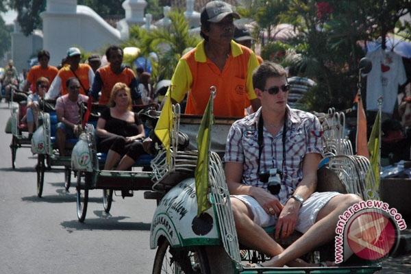 Pengemudi becak Yogyakarta dapat pelatihan sadar wisata