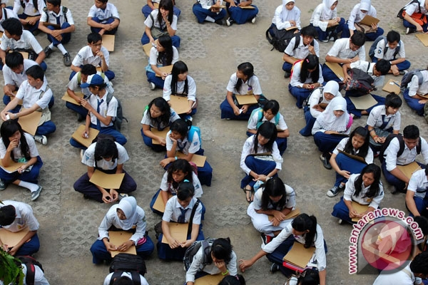 Orang tua siswa baru Palembang keluhkan pungli
