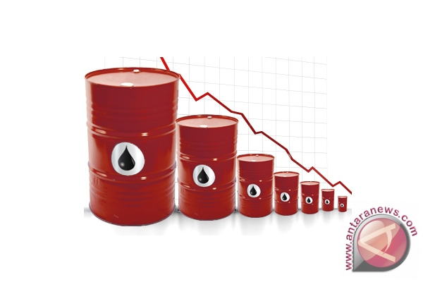 Harga minyak turun karena aksi ambil untung