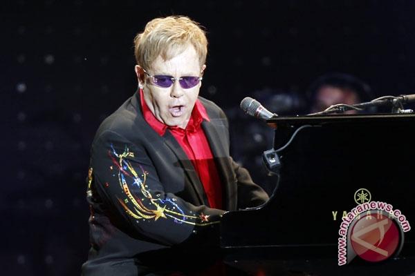 Elton John merasa beruntung masih hidup