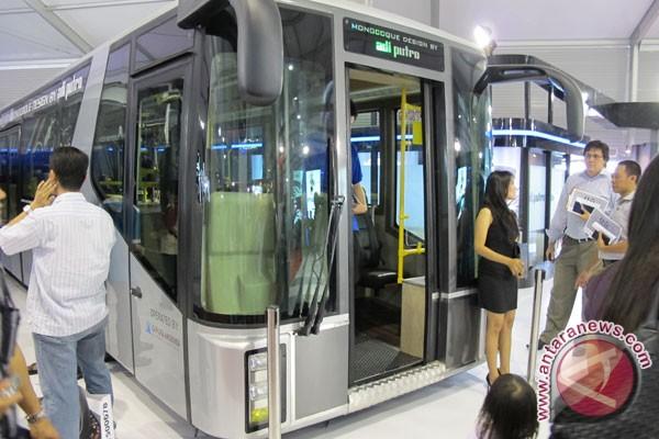 Karoseri Adi Putro Pamerkan Bus Bandara