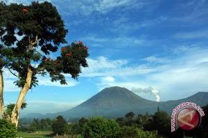 20110712122711lokon280510 Gempa vulkanik gunung Lokon masih terus terjadi