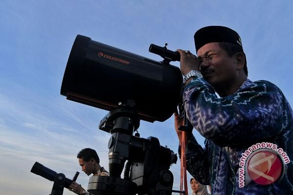 Cuaca buruk, hilal tidak terlihat di Lampung