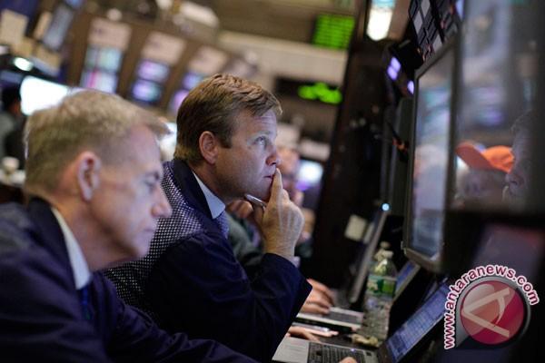 Wall Street menguat terangkat isyarat Bernanke