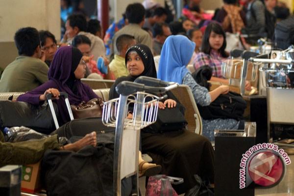 Libur sekolah, tiket pesawat di Biak naik 100 persen