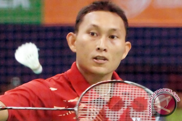 Sony beats Peter Gade at Indonesia open