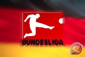 Hoewedes perpanjang kontrak di Schalke sampai 2020