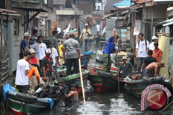 Bersihkan sampah plastik supaya Indonesia sehat