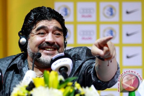 Maradona diundang
