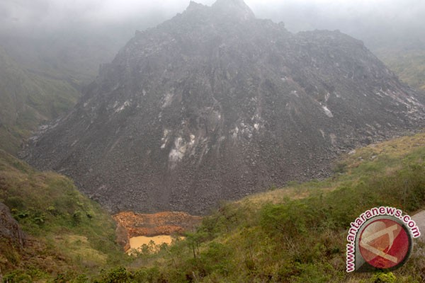 Mt Kelud`s danger status raised to highest level
