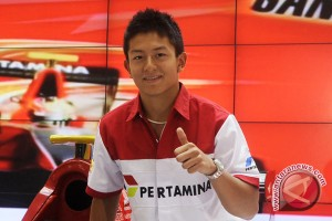 Indonesia's racer Rio Haryanto leaves for B