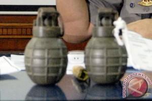 Polda Malut amankan granat dan bom rakitan