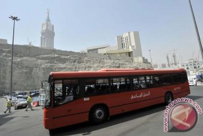 Bagasi bus tak muat karena jamaah tak disiplin
