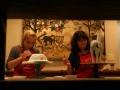 Petenis Jerman, Sabine Lisicki (kiri), membuat kerajinan keramik di pabrik keramik Jenggala, Jimbaran, Bali, Senin (31/10). Sejumlah rangkaian acara pra turnamen diikuti para peserta sebelum bertanding dalam Commonwealth Bank Tournament of Champions 2011 pada 3-6 November 2011 di Bali International Convention Centre, Nusa Dua, Bali. (FOTO ANTARA/Bambang Suseno)