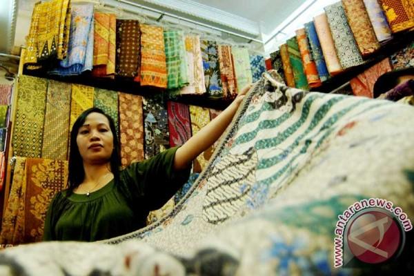 Batik Pekalongan serbu pasar rakyat Rangkasbitung